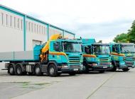 PIPAL-Transporte: moderne EURO6 LKW Flotte: 3,5 t Kastenwagen, Kran, Tieflader, Hubarbeitsbühne, Container und Mulden sowie Müllsammelfahrzeug • Bruck an der Leitha, Niederösterreich